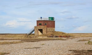Un antiguo edificio militar en Orford Ness, Suffolk.